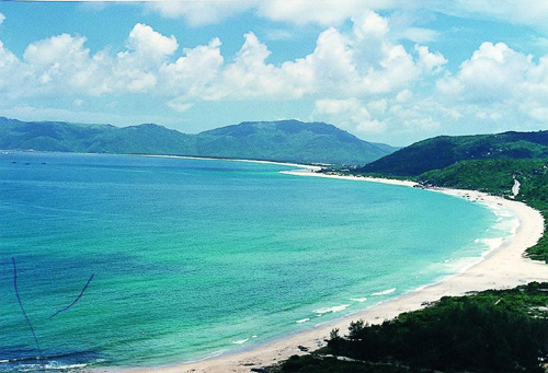 Sanya, one of world's best places to go scuba diving