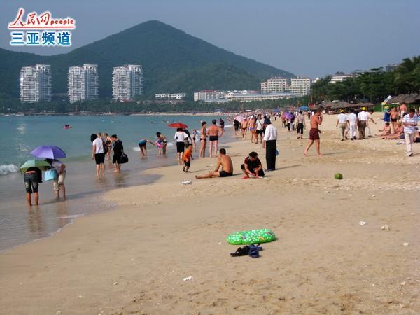 Plan to build golf resort in Hainan Diaoluo Mountains stirs up controversy