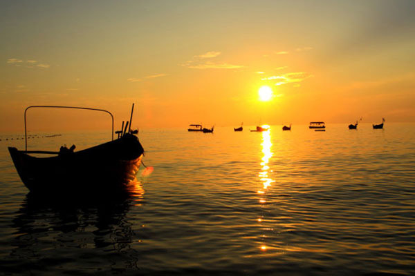 Sunset over Weizhou Island.[Photo/CRIENGLISH.com]