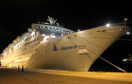 cruise ship Henna