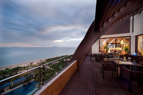 Rooftop bars in Sanya