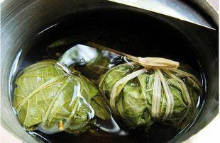 Zhegu Tea, a local Hainanese tonic that dispels heat