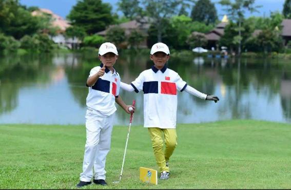 Hainan primary school offers indoor golf driving range classes