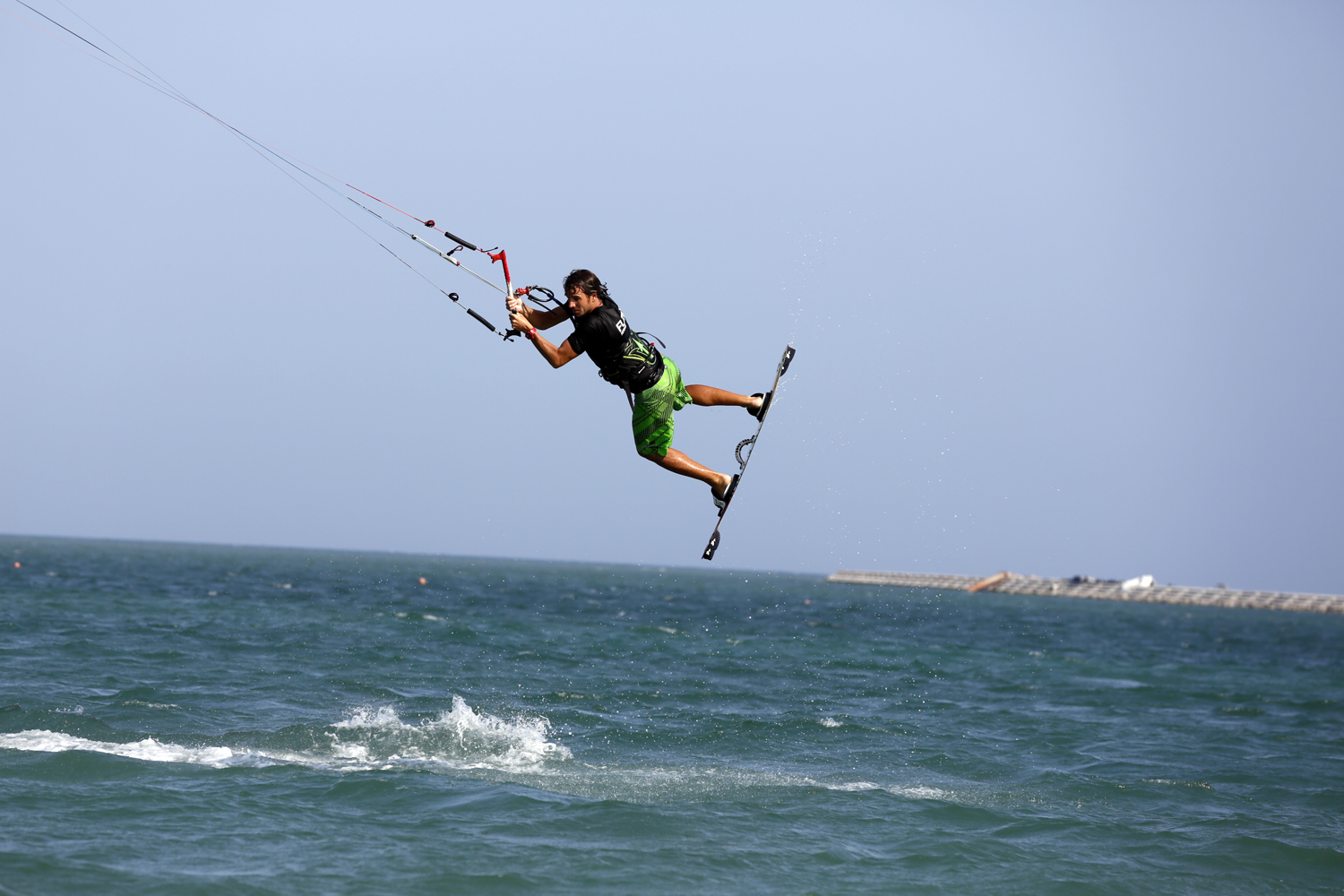 A guide to kitesurfing in Hainan