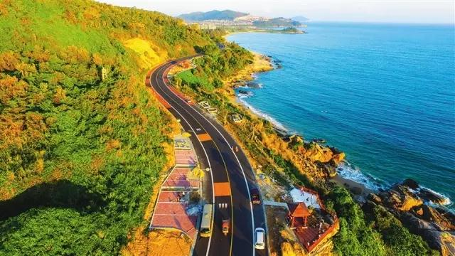 A drive thru Shimei Bay along Wanning scenic road to Dahuajiao